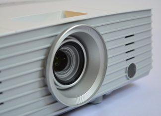 Rozdzielczości, jasność, kontrast – najważniejsze parametry przy wyborze projektora
